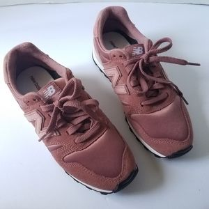 NEW BALANCE PINK 373 SUEDE Sneakers Retro